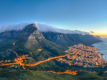 Fly til Cape Town