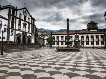 Fly til Funchal