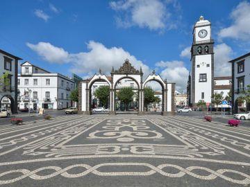 Fly til Ponta Delgada, Azorene