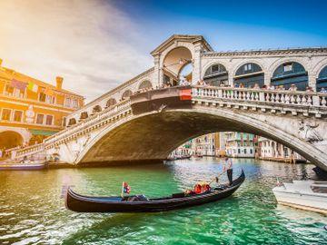 Fly til Venezia
