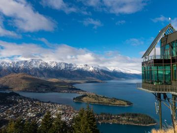 Fly til Queenstown