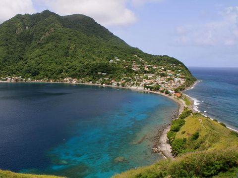 Flybilletter til Dominica