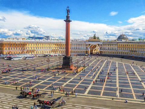 Flybilletter til St Petersburg
