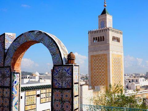Fly til Tunis