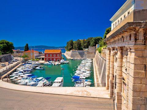 Flybilletter til Zadar