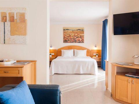 Pakkereiser til Bayview Hotel by ST Hotels