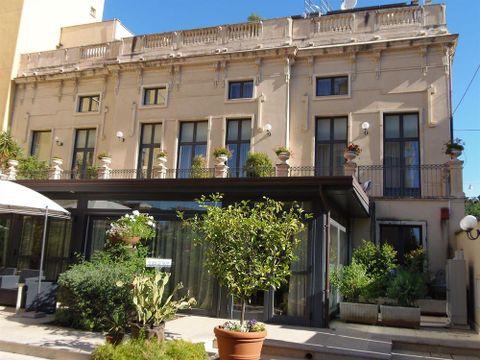 Pakkereiser til Hotel Residence Villa Cibele