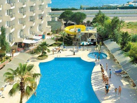 Pakkereiser til Asrin Beach Hotel