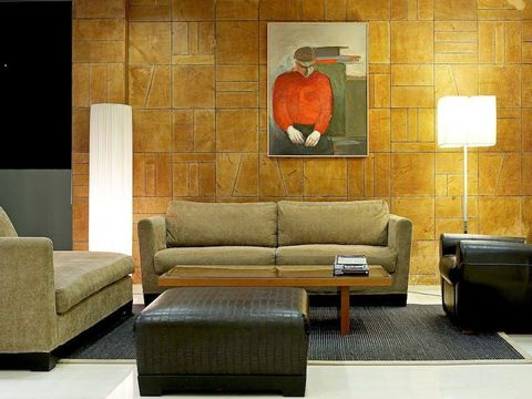 Hotel Angela Suites + Lobby