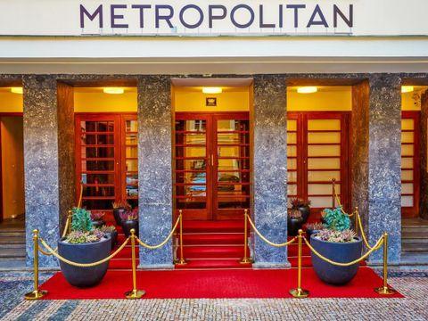 Metropolitan Old Town Hotel