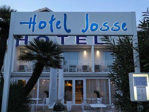 Josse Hotel
