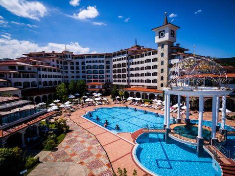 Helena Sands in Helena Resort