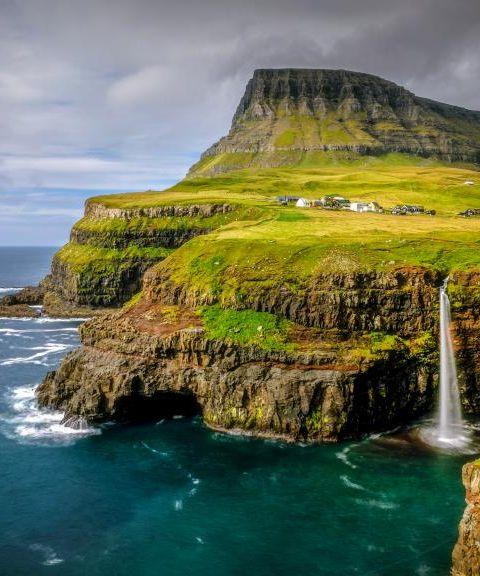 Fly til Færøyene