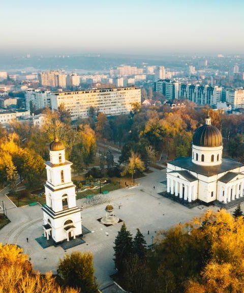 Fly til Moldova