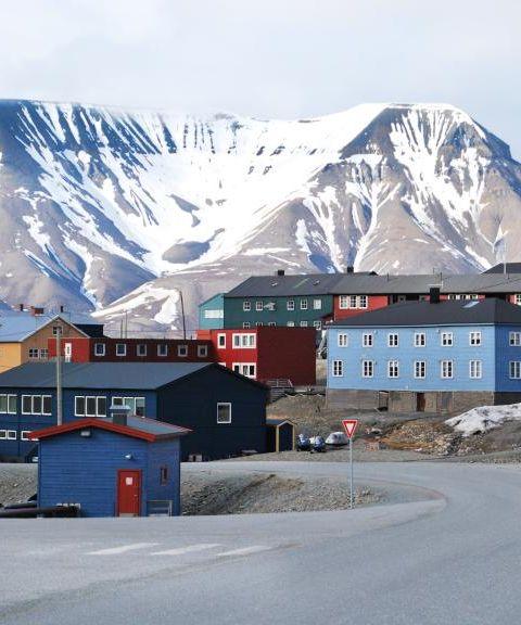 Fly til Svalbard og Jan Mayen