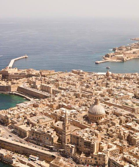 Fly til Malta
